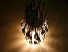 Reta and Vana Howell rhapsody lamp