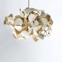 Leaf Lamp Takes Inspiration from Patterns in Nature