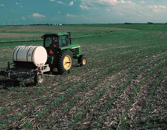 atrazine, syngenta, herbicide, pesticide, drinking water, water pollution, water contamination, midwest, corn, farm, field, pollution, pollutant, frogs, contaminated