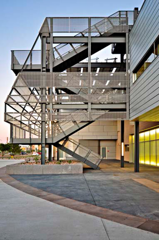 Mesa Community College's Physical Science Buiding Gets LEED Gold
