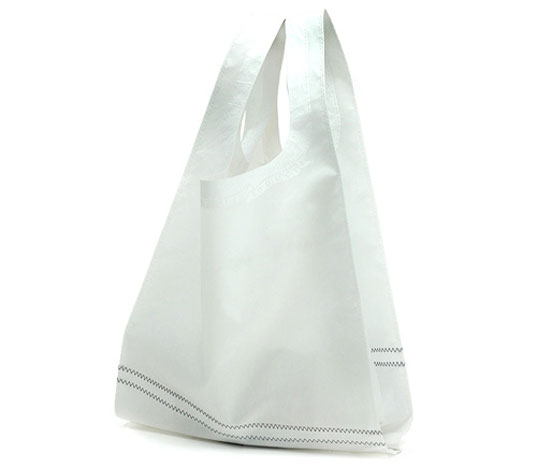 red sail bags, recycled sail bags, aum, aum shopper, ban on plastic bags, eco friendly tote, eco bags, eco tote, green bags