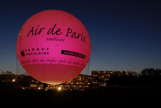 Paris, helium balloon, Ballon de Air Paris, Airparif, air quality Paris, aérophile, pollution, pollution Paris, public information, visual information system, air quality display, air quality visualization, parisballoon5