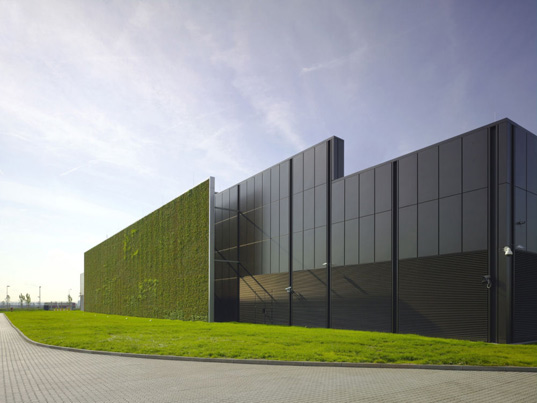 World S First Leed Platinum Data Center Opens In Germany
