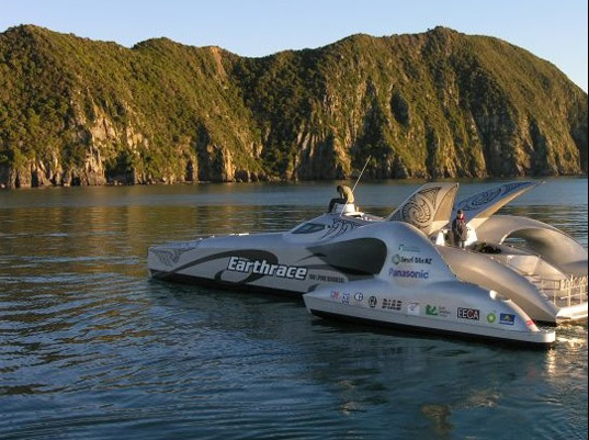 earthrace, bio-diesel boat, world record, record breaking, green transportation, peter bethune, carbon neutral