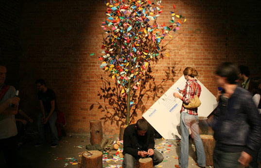 ECO ART: Creative Duo Rescue Trees in London
