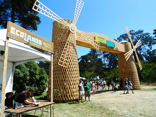 sustainable design, green design, event, music festival, outside lands, pg&e, solar powered stage, organic food, art, ecolands