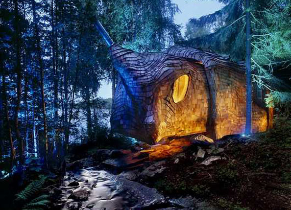 SPOOKY ECO HOUSE: The Dragspelhuset Accordion House