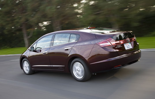 Honda FCX Clarity Fuel Cell Vehicle Starts Production