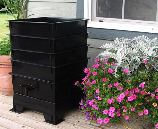 Worm Tower Composter