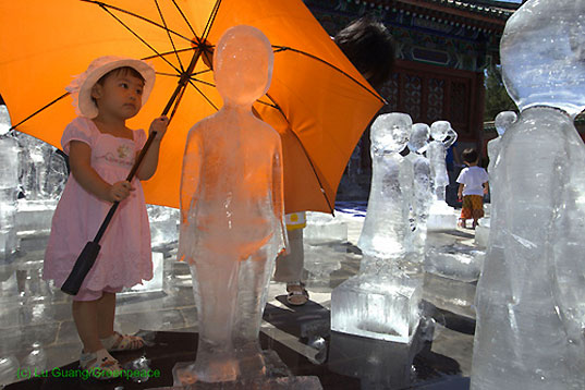 Greenpeace Ice Sculptures in Beijing, Shiho Fukada, copenhagen climate summit, united nations climate summit, climate change activism, political activism, tcktcktck campaign launch, greenpeace, climate change, environmental art, climate change art