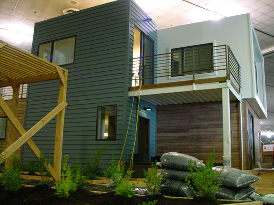SG Blocks Container House Debuts at West Coast Green