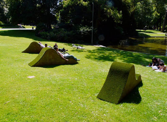 Lawnge Chairs: Grassy Green Park Lounges in the Netherlands