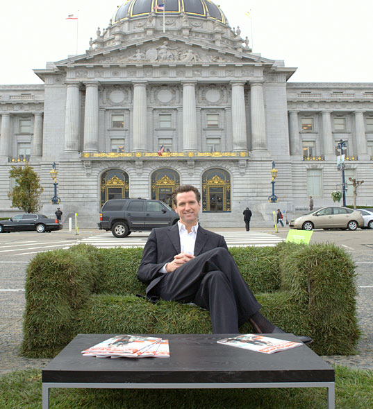 Letsgreenthiscity, Green Sod Couches in San Francisco, Grass couches hit the streets of san francisco, Jen Siska, gavin newsome, readymade grass couch, readymade sod couch