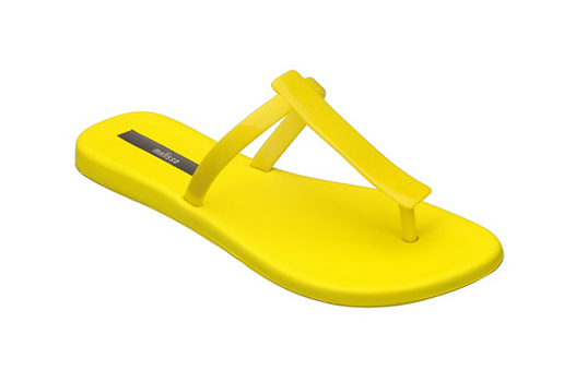 melissa sandals, melissa plastic dreams, eco friendly sandals, green sandals, vegan sandals, melissa vivienne westwood, vivienne westwood, summer sandals, eco-fashion, eco-shoes, sustainable style, non-toxic plastic, jellies, spring sandals, flats