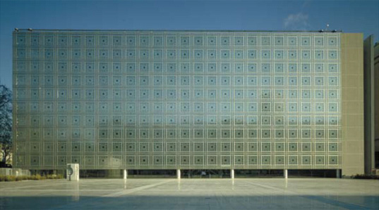 Jean Nouvel, Pritzker Prize, 40 Mercier, LED, awards, architecture, Institut du Monde Arabe, Quai Branley Museum, Paris, France architecture, french architecture, nouvel1.jpg