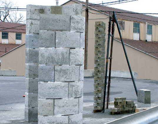 Plastic concrete building bricks made from landfill waste for House made by waste material