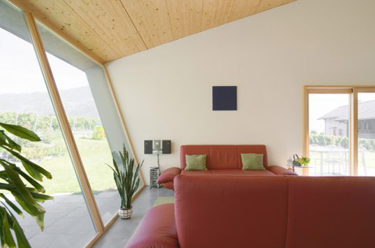 zufferey house, prefab home, prefab residence, prefabricated wood frame, switzerland residence, nunatek sarl architectes, passive heating, solar orientatio