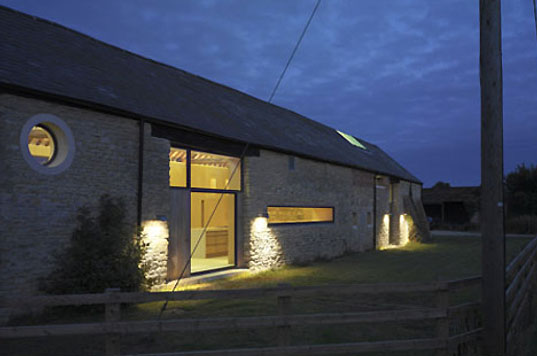 a charming barn converted into a contemporary home inhabitat green design innovation. Black Bedroom Furniture Sets. Home Design Ideas