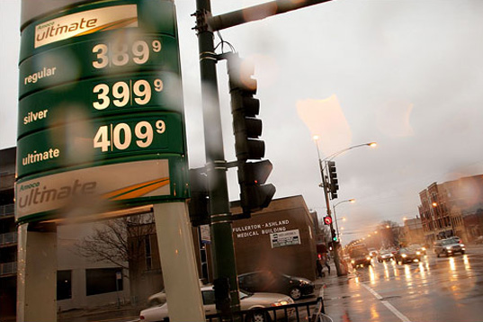 $4 a gallon, sky high gas prices, cost of fuel, death of suv, death of sport utility vehicles, green vehicles, rising fuel prices, end of suv, small car sales, automotive sales, suv sales plummet, suv sales decline, transportation, fuel efficiency, fuel efficient vehicles, ripsuv4.jpg