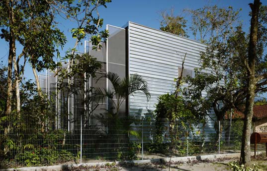 Prefabricated architecture, modular housing, sao Paulo, Andrade morettin, Brazil, timber structure, galvanized steel, EPS, low environmental impact, waste reductionsaopaulo2.jpg