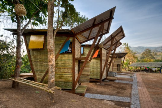 bamboo prefab, thai prefab, thai bamboo prefab, butterfly prefab, bamboo hut, soe ker tie, butterfly hut, thai orphanage, thai dorm, thai kids residence, sustainable building, pre-fab housing, tyin tegnestue, nust