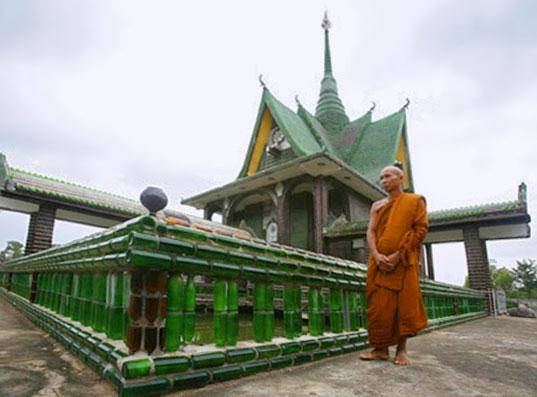Thai Temple Built From One Million Recycled Bottles, Recycled Bottle temple, recycle bottle building, eco building, green building, recycled architecture, Temple of a Million Bottles, Sustainable Building, Recyclable Building Materials, Bottle Bricks, Wat Pa Maha Chiei Kaew