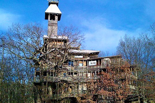 treehouse worlds largest worlds tallest worlds tallest treehouse ministers treehouse crossville