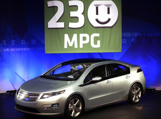 sustainable design, green design, chevrolet volt, 230 mpg, fuel efficiency, hybrid electric vehicle, transportation
