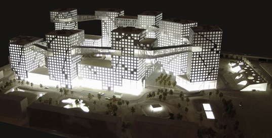 Steven Holl's Linked Hybrid Development