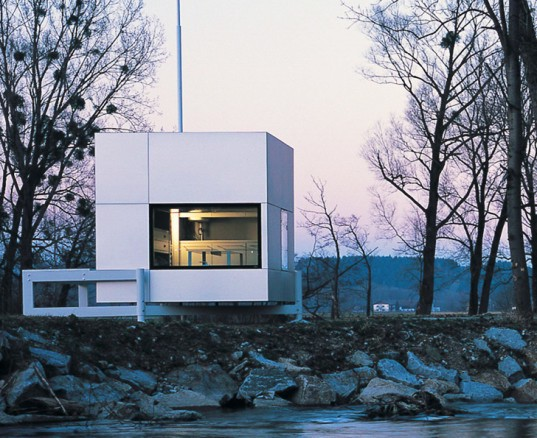 The Micro Compact Home One Of The Tiniest Houses Around