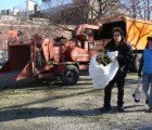 Inhabitat Joins the Treecycling Fun at NYC's Annual Mulchfest