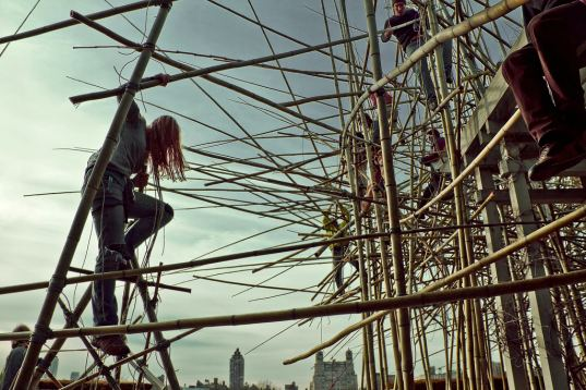 metropolitan museum of art, met, art installation, bamboo, starn brothers, bamboo scaffolding, bamboo installation, eco art, green design, sustainable building, renewable materials, art, nyc, new york city, green materials