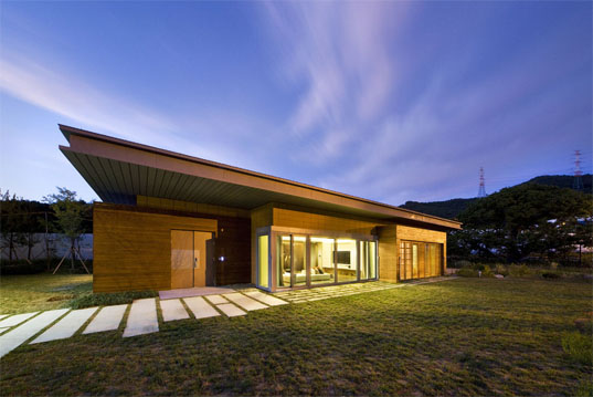 Zero energy green tomorrow house achieves leed platinum for Tomorrow s home