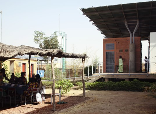 African heath clinic, Aga Khan Awards for Architecture. passive design, passive cooling, passive daylighting, Green Design Competitions, solar powered health clinic, sustainable architecture