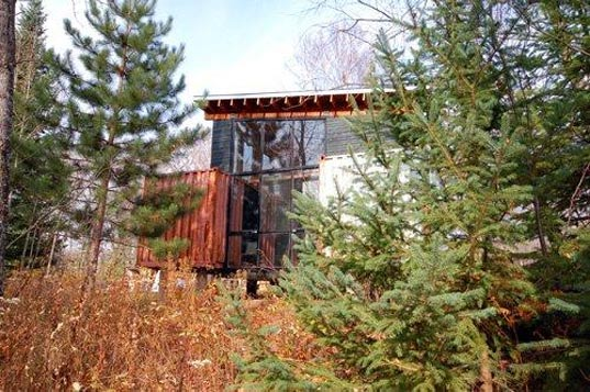 holyoke cabin, off grid, prefabricated housing, prefab housing, prefabs, modular housing, green design, green housing, green architecture, eco design, sustainable design