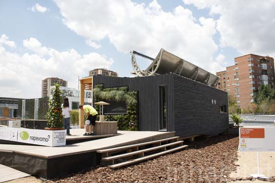Self-Sufficient Napevomo House Taps the Sun for Power and Hot Water ...