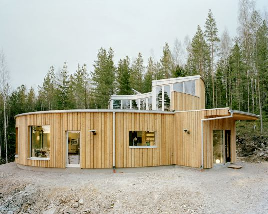 prefab, prefabricated construction, prefab housing, prefab house, kjellgren kaminsky architecture, ermhaus, energy efficient home, solar hot water, green building, green design, eco design, sustainable building