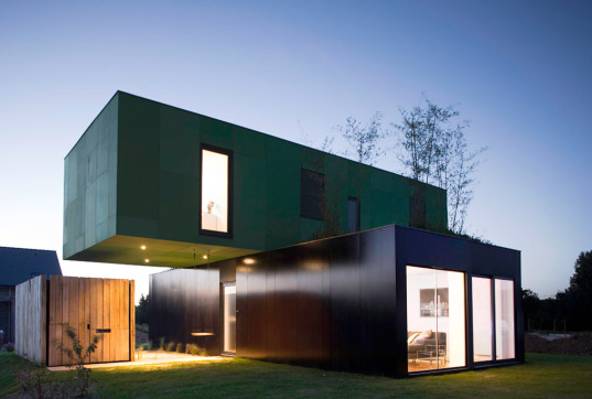 modular housing, modular, modular construction, prefab construction, prefab housing, container construction, shipping container, shipping container construction, CGarchitectes, crossbox, green design, eco design, sustainable building