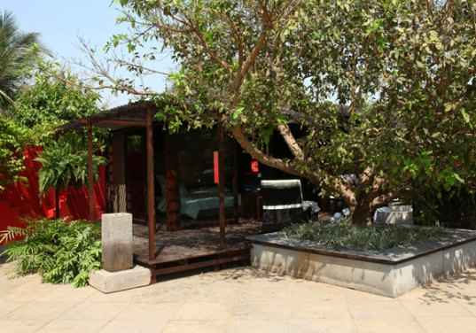 hara villa, pinakin patel, india, prefab, prefab housing, local materials, green villa