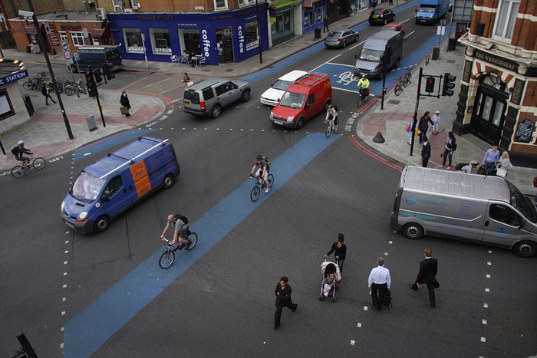 london, bike superhighway, bike lanes, bicycle network, bike commuting