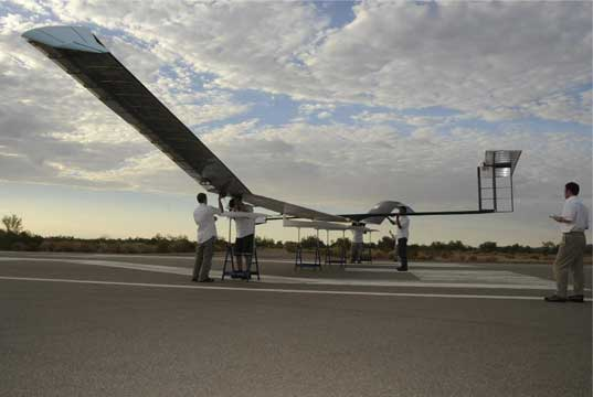 zephyr, qinetq, solar, solar power, aircraft, green design