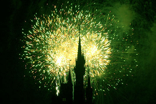 """eco-friendly fireworks, green fireworks, 4th of july, independence day, green independence day"""" title=""""green fireworks"""