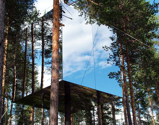 treehouse, tree hotel, swedish treehotel, sweden, prefab construction, eco-friendly design, green design