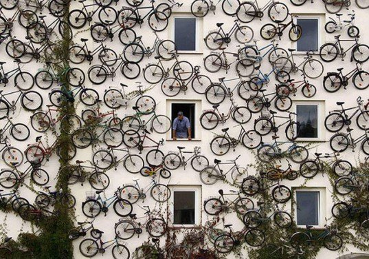 bike wall, green wall, bicycle wall, green advertising, bike adevertising, bicycle shops germany