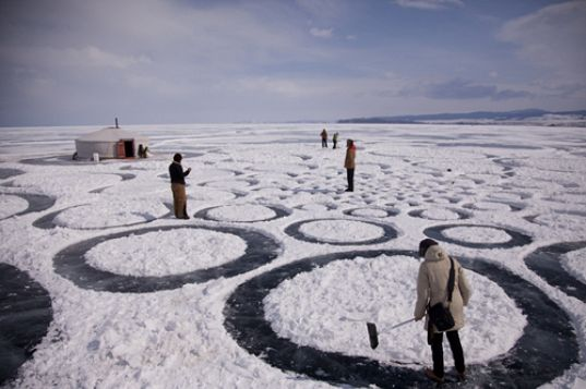 sustainable design, green design, lake baikal, eco art, land art, jim denevan, anthropologie