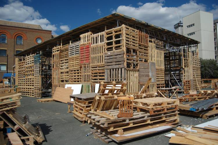 jellyfish theatre, shipping pallets, pallet theater, recycled materials, london, sustainable architecture