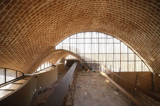 Mapungubwe Interpretation Centre, zimbabwe, local materials, peter rich architects, africa, south africa, sustainable building, eco architecture, green building, sustainable architecture, green architecture, local labor, domed architecture