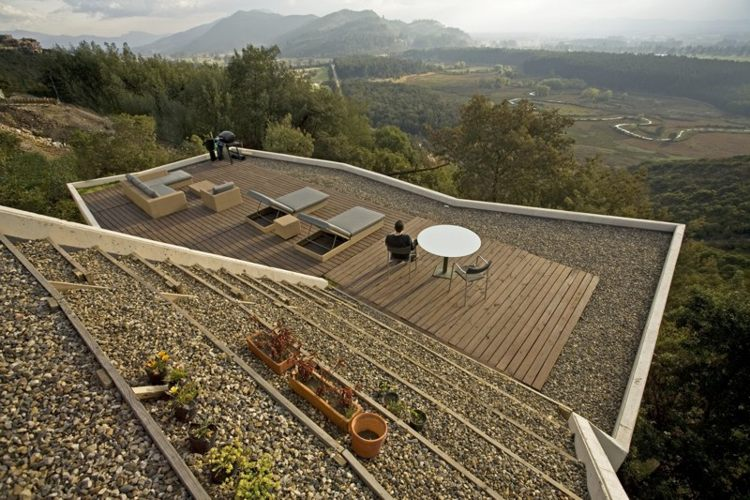 green roof Colombia, Mazzanti architects, Plan B, roof deck, Sopó Township Home, Bogotá green roof, Hillside architecture,