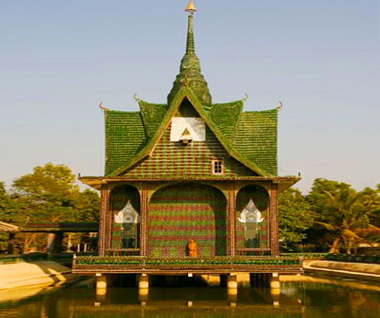 Thai Temple Built From One Million Recycled Bottles | Inhabitat ...