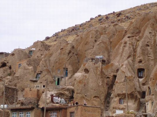 Underground Cave Home. Technically  the inherently low energy houses aren t true underground homes since a portion of them sits above ground but subterranean adventure awaits 700 Year Old Underground Cave Homes For Rent in Iran Inhabitat